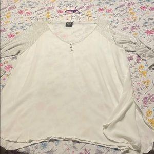 Bobeau brand white top, size large